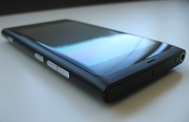 Nokia Lumia 800 (Photo: B92)
