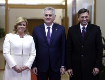 A file photo of Nikolic (C) with Croatian (L) and Slovenian (R) counterparts, Grabar-Kitarovic and Pahor (Tanjug)