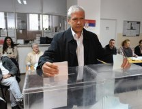 Tadic is seen voting on April 24 (Tanjug)