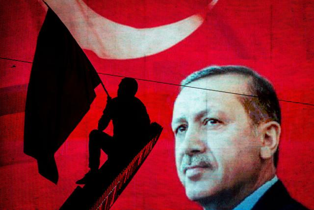 Politika-Kako-je-jedan-poziv-iz-Moskve-spasao-Erdogana