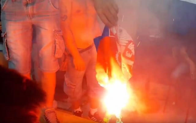 Knin-Krivicne-dvojici-zbog-paljenja-zastave-Srbije