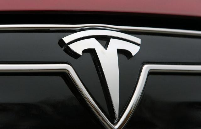 Tesla-bi-da-Los-Andjeles-snabdeva-strujom-iz-baterija