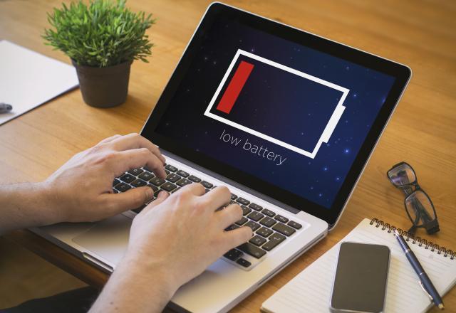 Trik-uz-pomoc-kojeg-cete-brzo-popraviti-bateriju-laptopa