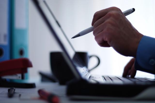 IT-struka-apeluje-Otkazite-subvenciju-strancima