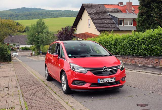 Prva-voznja-Opel-Zafira-redizajn