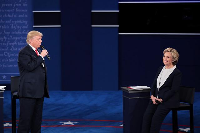 Ostavka-u-Hilarinom-timu-zbog-quotpodmetanjaquot-Trampu