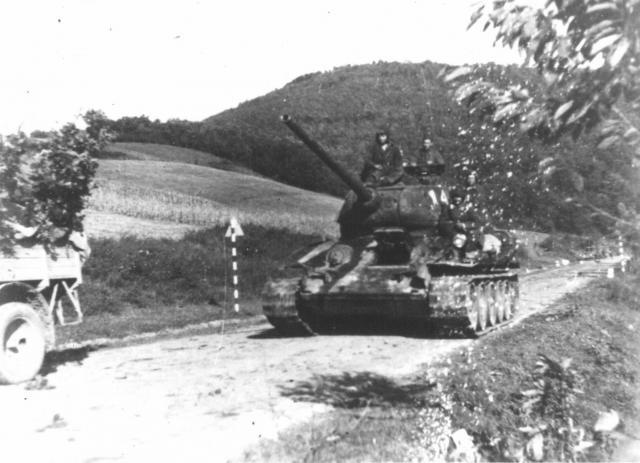 Sovjeti napreduju ka Beogradu Foto: waralbum.ru