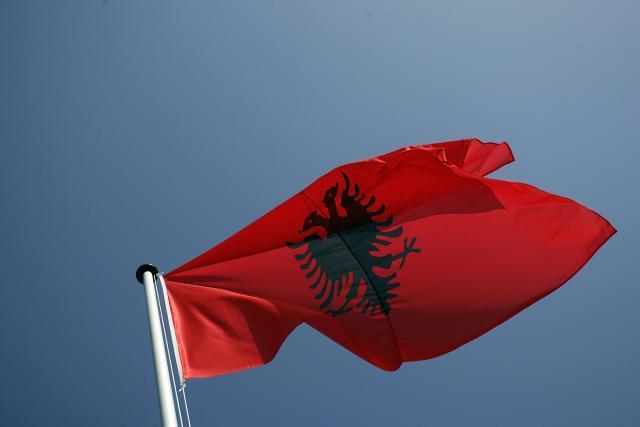 U-Tirani-na-mala-vrata-formirana-quotvelika-Albanijaquot