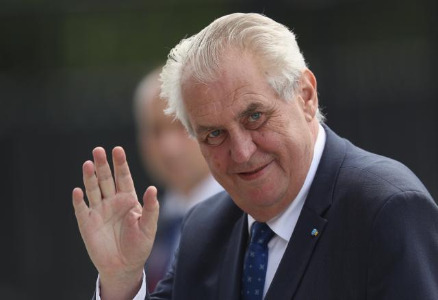 Zeman-Nikolic-kao-Sarl-de-Gol-zbog-sankcija-Rusiji
