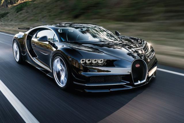 Prvi-udes-novog-Bugattija-Chiron-zavrsio-u-jarku