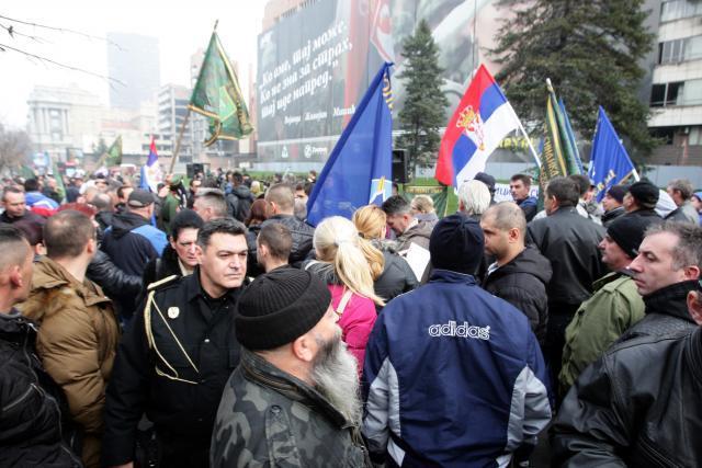 Vojni-sindikat-Tuzba-protiv-Dikovica-sprecavaju-vojnike