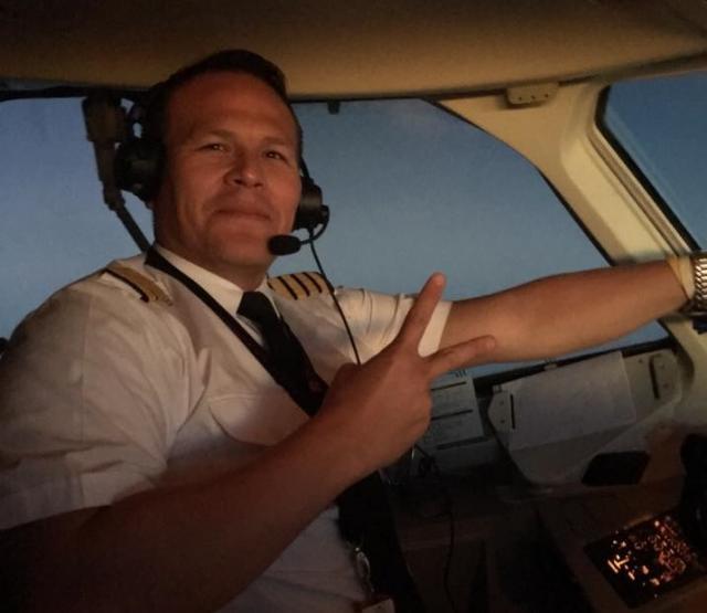 Pilot-ocajnicki-trazio-da-sleti-operaterka-ga-quotodlozilaquot