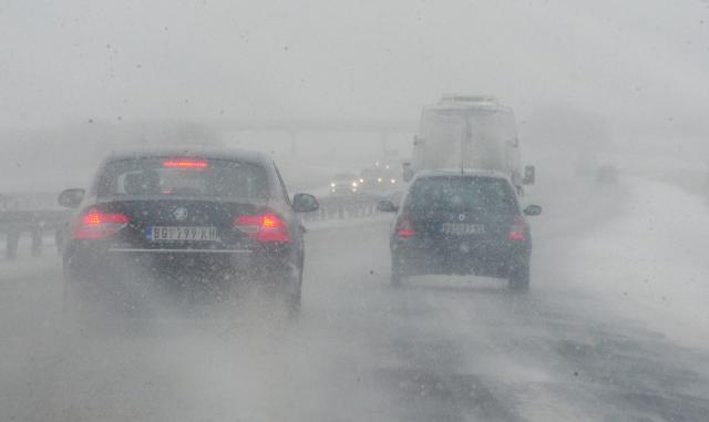 Obustava-saobracaja-u-delovima-Srbije-i-dalje-na-snazi