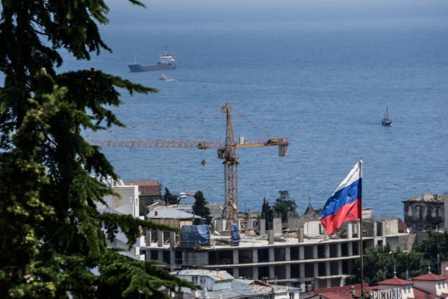 Popovica-opet-zovu-na-Krim-Srbija-i-dalje-cuti