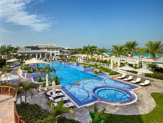 Beach Club (Foto: St Regis Abu Dhabi)