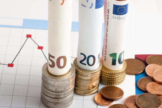 Region fokusiran na rezanje deficita i duga
