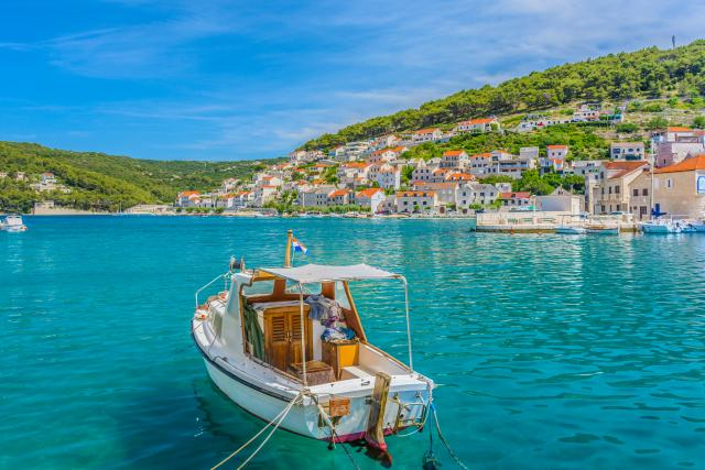 Hrvati-u-problemu-quotPreti-nam-krah-turizmaquot