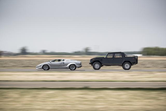 Lamborghini Countach i LM002