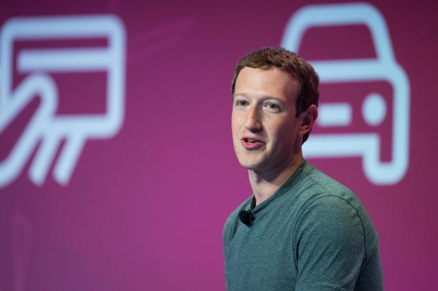 Zakerberg-quotZelimo-milijardu-ljudi-u-virtuelnoj-realnostiquot
