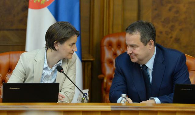 PM Brnabic, her first deputy Dacic are seen during the goverment session on Thursday (Tanjug)