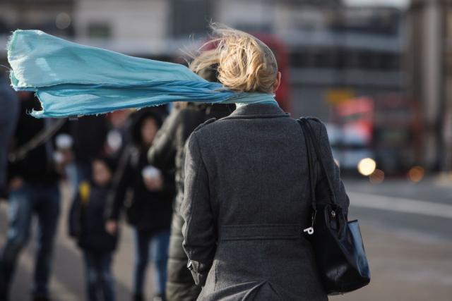 Hitno-upozorenje-RHMZ-a-Udarace-vetar-olujne-jacine
