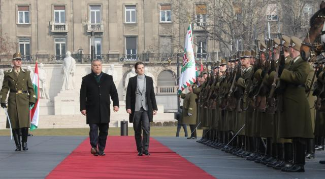 Orban Says Romanian Deal Will End Russian 'Gas Monopoly'