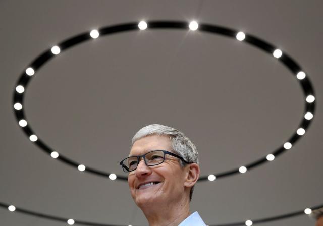Tim-Kuk-objasnio-zasto-nikada-necete-krociti-u-zgradu-Apple-a