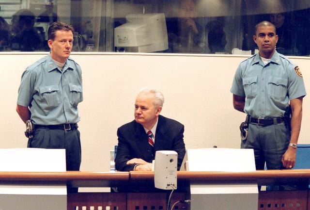 quotZele-spomenik-a-Milosevic-jedva-docekao-bombardovanjequot