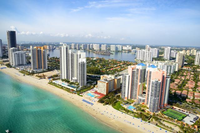 Sve-veci-broj-turistkinja-bira-Majami-ali-ne-zbog-odmora