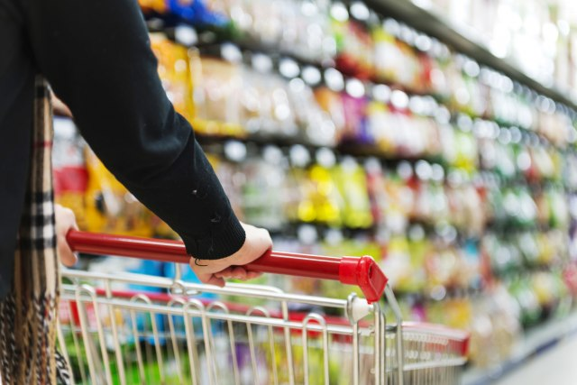 Cene-u-marketima-odletele-u-nebo-Bezobrazlik-preterali-su