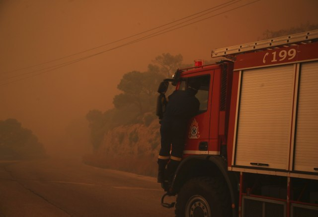 At least 50 people killed in wildfires near Athens, Greece