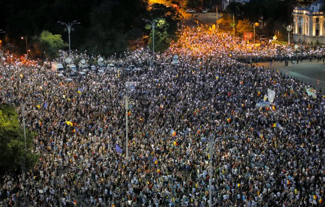 Novi-protest-policija-svuda-quotBez-straha-Rumuni-se-dizuquot
