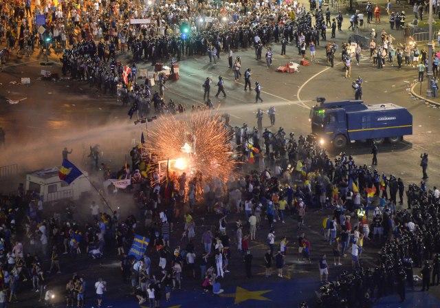 Protesti-sirom-sveta-Sta-koga-muci-FOTO