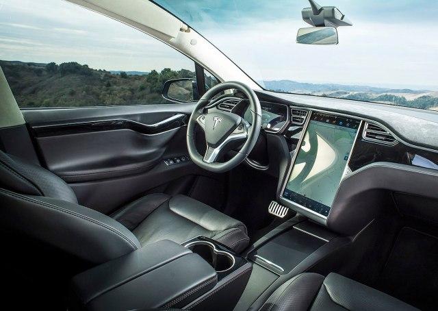 Model X (Photo: Tesla promo)