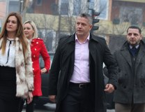 Naser Oric (C) arrives to the court in Sarajevo (Tanjug)
