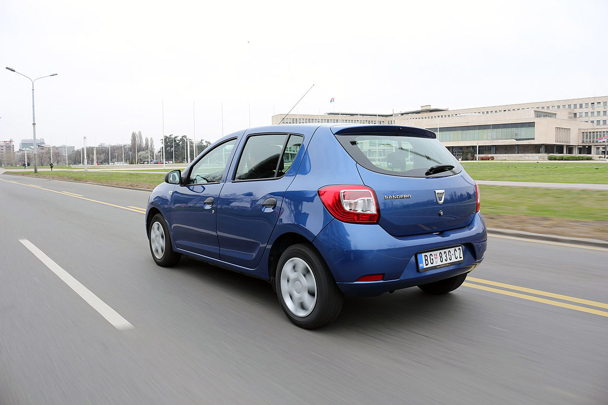 test dacia sandero 1 2 16v life. Black Bedroom Furniture Sets. Home Design Ideas