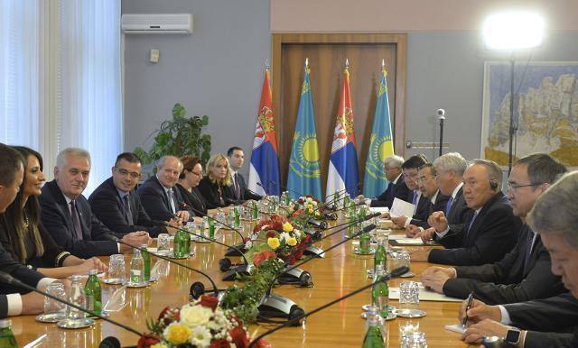 The two presidents and their delegations meet in Belgrade on Wednesday (Tanjug)