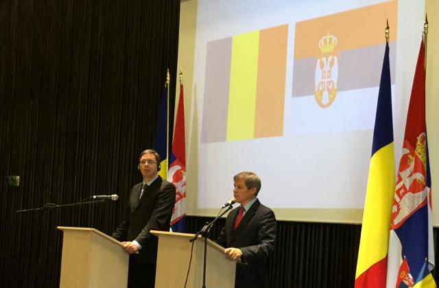 Vucic and Ciolos are seen in Timisoara (Tanjug)