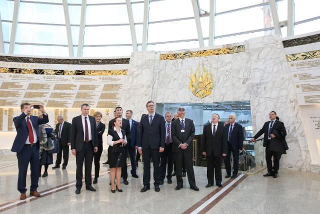 Vucic at the State Museum of Patriotic War History in Minsk (Tanjug)