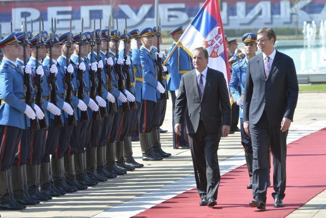Lofven is seen with Vucic in Belgrade during last year's visit (Tanjug, file)