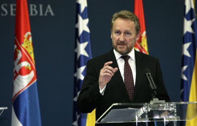 "Izetbegovic says his father ""bequeathed"" Bosnia to Erdogan - RegionEnglish  - on B92.net"