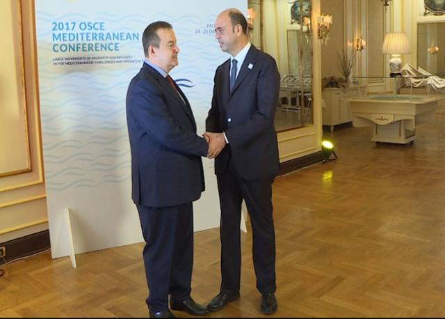 Dacic is seen with Italian FM Angelino Alfano (mfa.gov.rs)