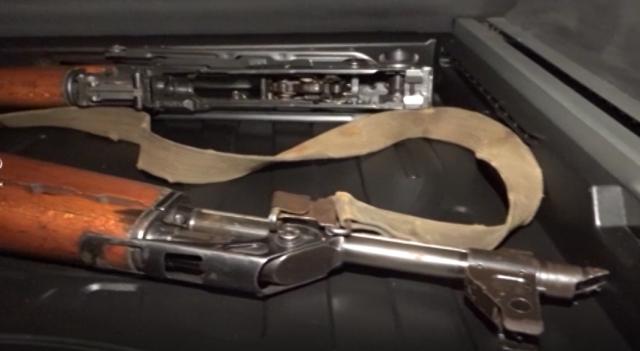 Billedresultat for jedan puškomitraljez, jedna automatska puška, jedna poluautomatska puška, jedna puška, dve bombe i oko 2.000 komada
