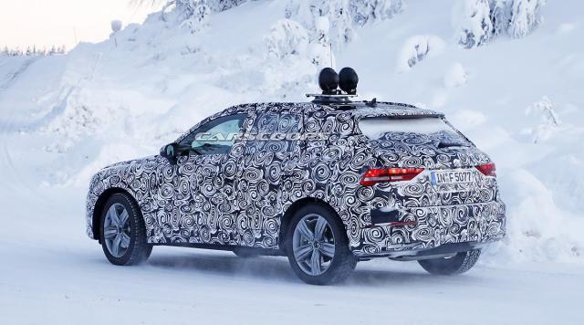 Pretprodukcijski Audi Q3 za 2019. (Foto: Carscoops/CarPix)