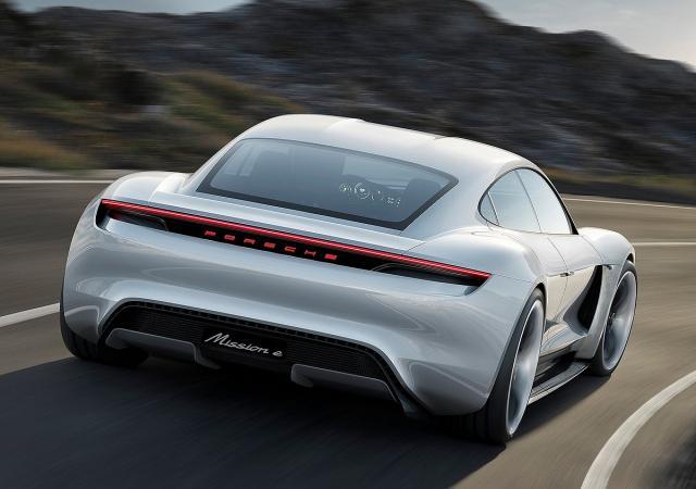 Električni Porsche Mission E Concept iz 2015.