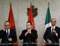Ivica Dacic, center, his Albanian and Italian counterparts Ditmir Bushati, left, and Angelino Alfano (Tanjug)