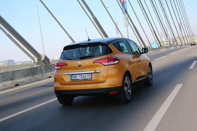 Renault Scenic Bose Energy dCi 160 EDC: zapremina 1598 ccm; snaga 118 kW (160 KS) pri 4000 o/min; maks. o. mom. 360 Nm pri 1750 o/min