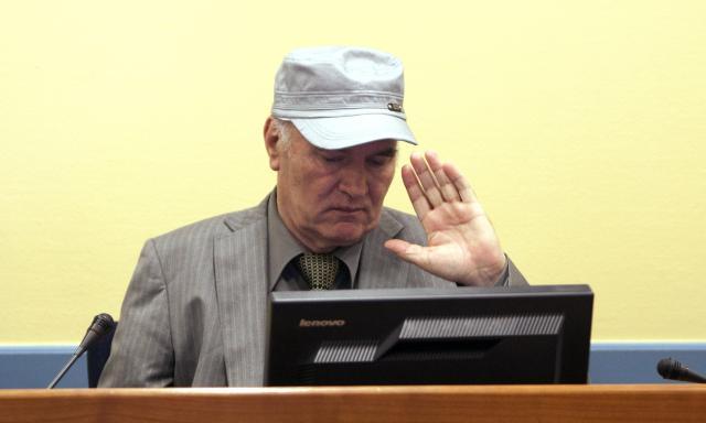 Hag odbio zahtev Mladića da optuži lekara u pritvoru