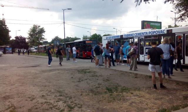 Pokvarili se autobusi kod Ade, velika gužva FOTO