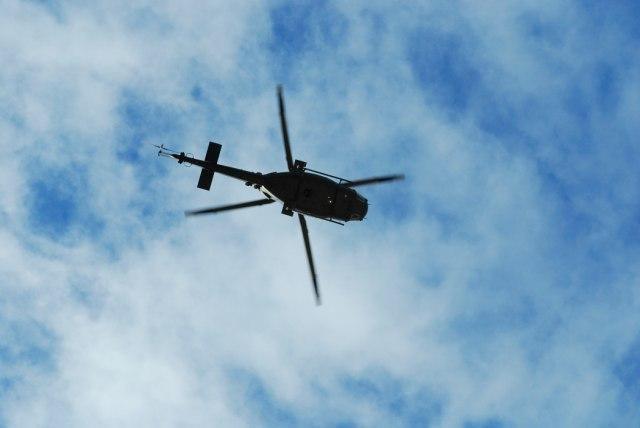 Pao helikopter: Dvoje poginulo, treća osoba kritično